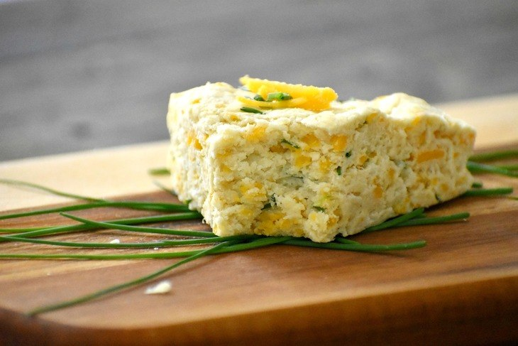 Cheddar and Chive Scone with Chives